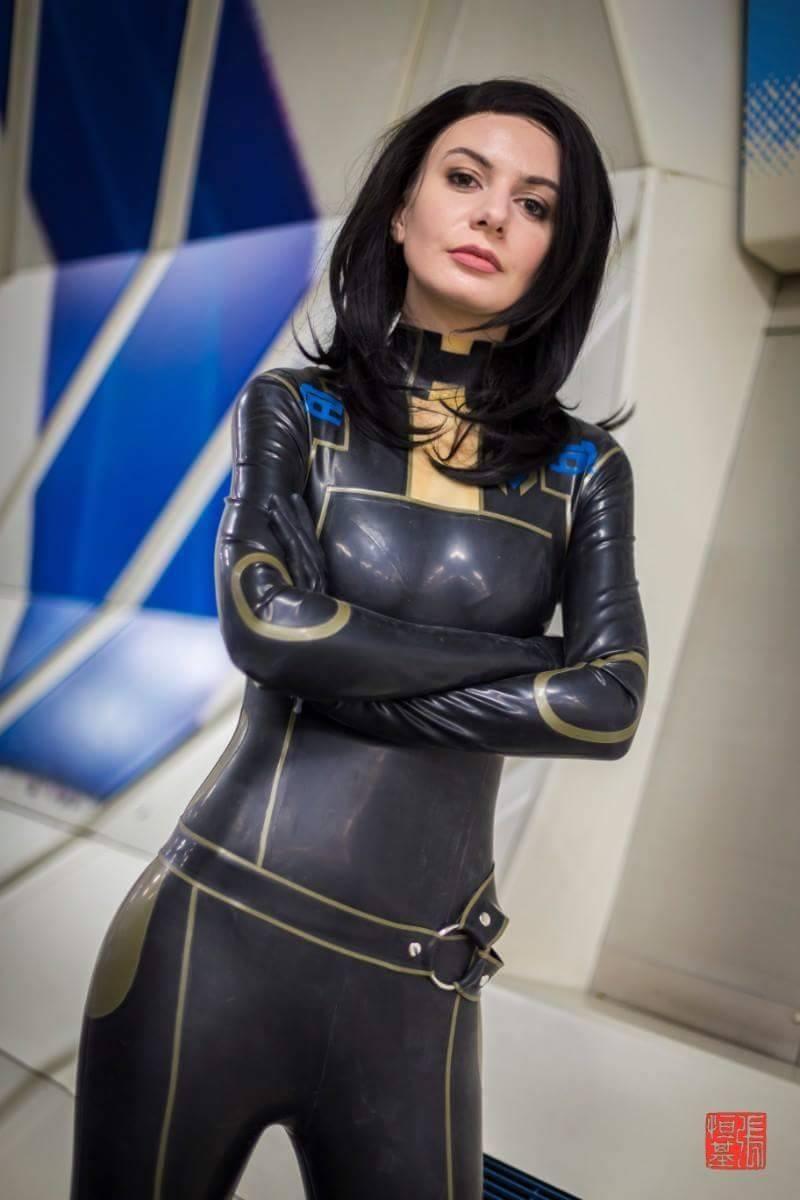 Jessie Noochies cosplay miranda lawson