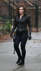 camren-bicondova-on-the-set-of-gotham-in-brooklyn-08-30-2018-2.jpg